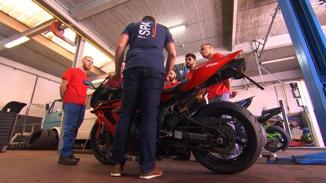 """Enseignement : une spécialisation """"mécanique moto"""""""