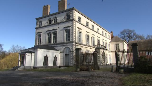 La tente Napoléon du Château de Sélys Longchamps en restauration