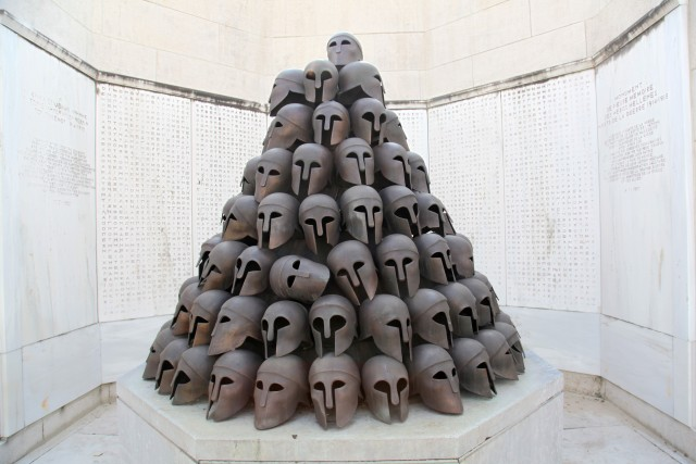 Vol de casques grecs au Mémorial de Cointe