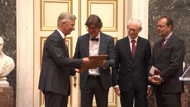 Le Roi Philippe a remis le prix Francqui au neurologue Steven Laureys