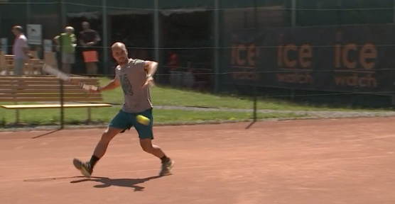 Le tennis entre à l'école avec Steve Darcis