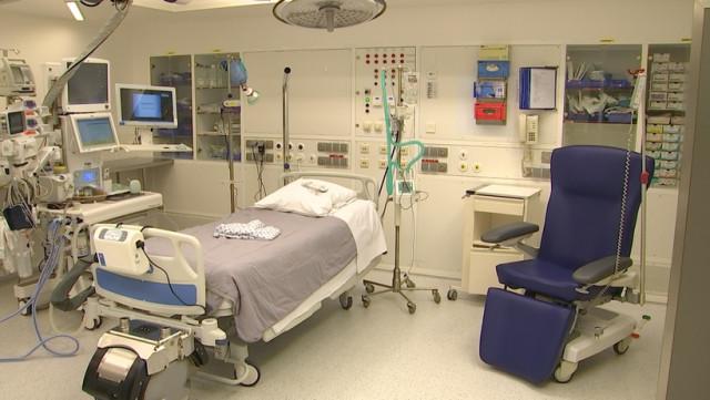 Les CHU transforme ses salles de blocs opératoires pour gagner des chambres