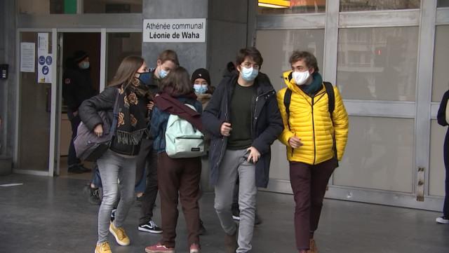 Liège: Les élèves de Waha veulent plus de présentiel !