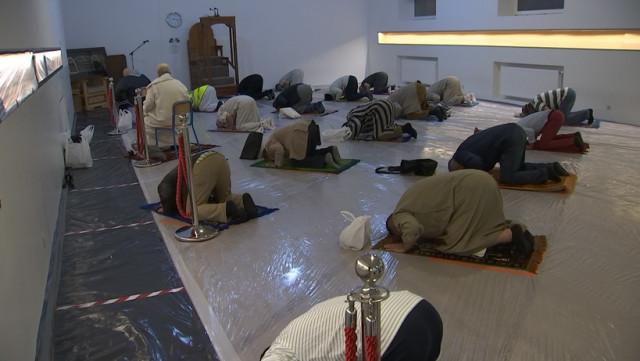 Les fidèles sont de retour à la mosquée