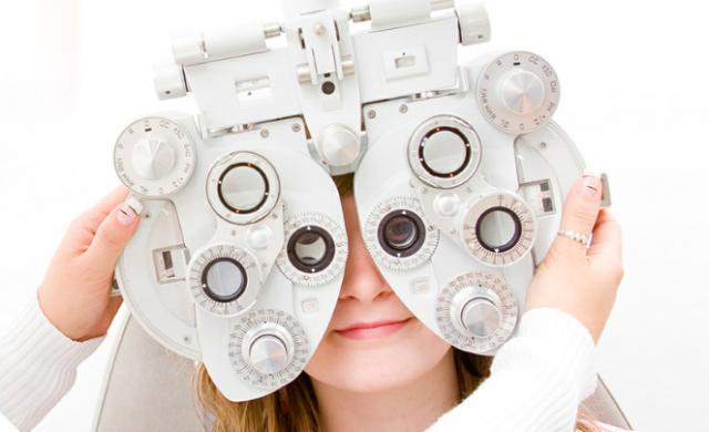 Les opticiens et audiciens peuvent rester ouverts