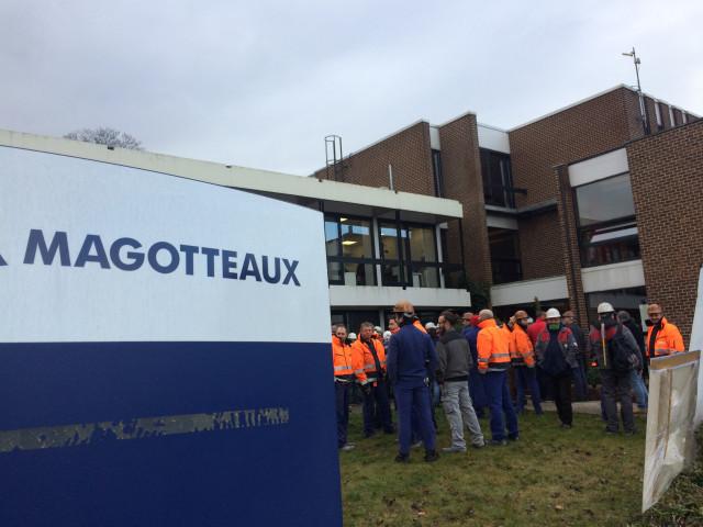 Les travailleurs de Magolux venus dire leur colère chez Magotteaux