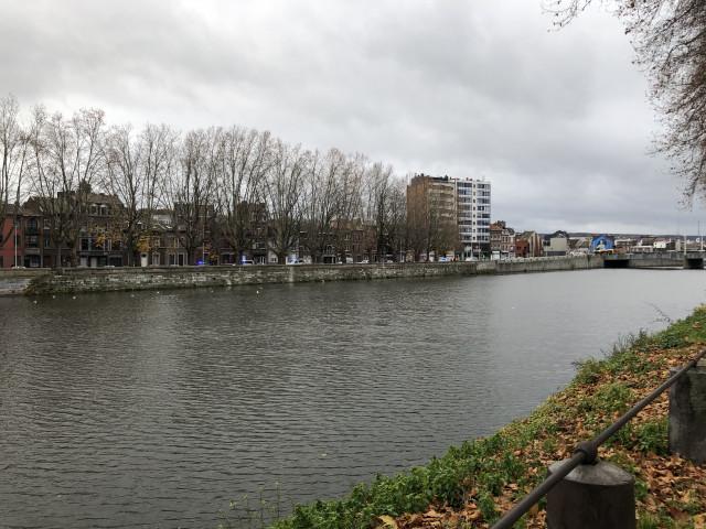 Liège : une grenade au Quai Bonaparte !