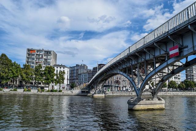 Liège : une dame décède après être tombée dans la Meuse
