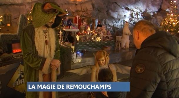 Magie de Noël dans les grottes de Remouchamps