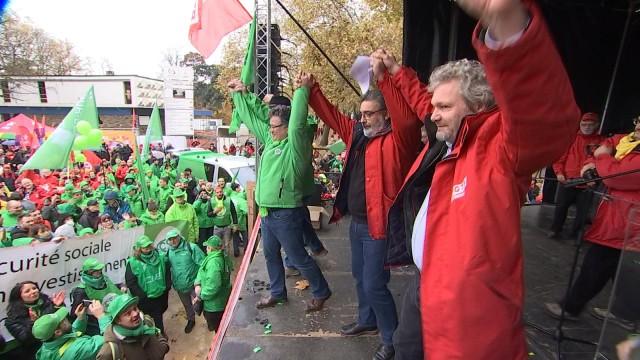 Manifestation : 10 000 personnes au parc d'Avroy