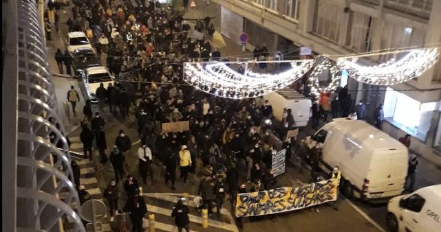 Manifestation anti-couvre-feu à Liège : 500 manifestants et 17 arrestations