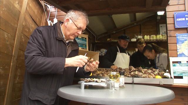 Milmort : l'huître se déguste sur le plus petit village de Noël