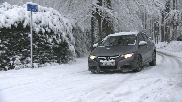 Conduite sur neige: comment s'y prendre ?