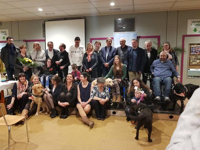 Os'mose : les maîtres handicapés ont reçu leur chien d'assistance