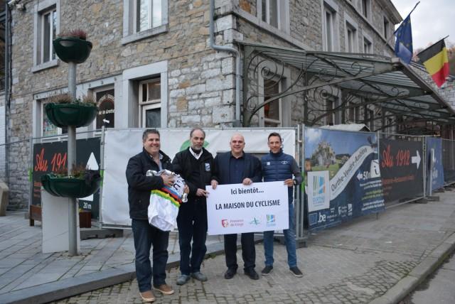 Philippe Gilbert offre un maillot pour la future Maison du Cyclisme