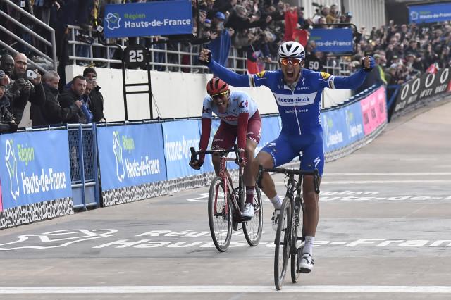 Philippe Gilbert remporte Paris-Roubaix !!!
