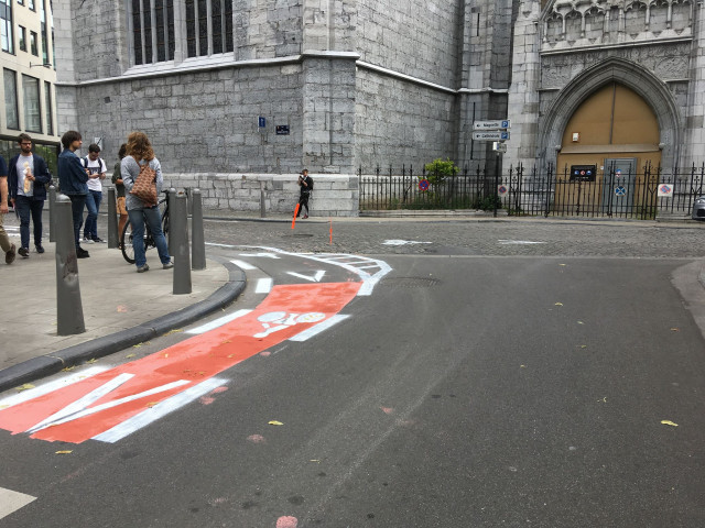 Place Saint-Paul : des marquages cyclables pirates effacés