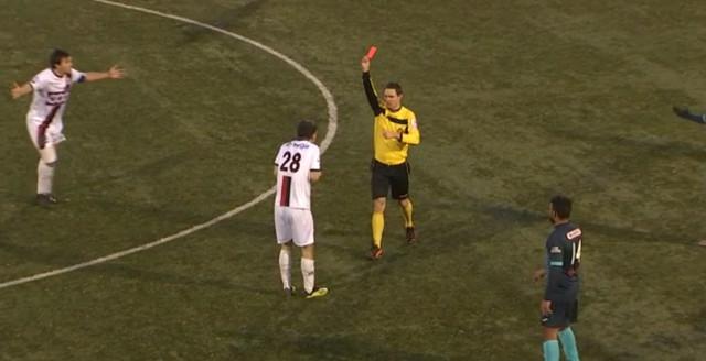 Pluie de cartes sur le derby RFC Liège - RFC Seraing