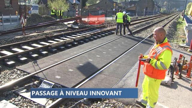 Pose d'un passage à niveau innovant à Comblain-La-Tour