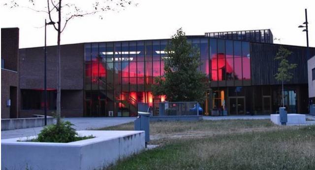 Red Alert Belgium : les centres culturels s'illuminent en rouge
