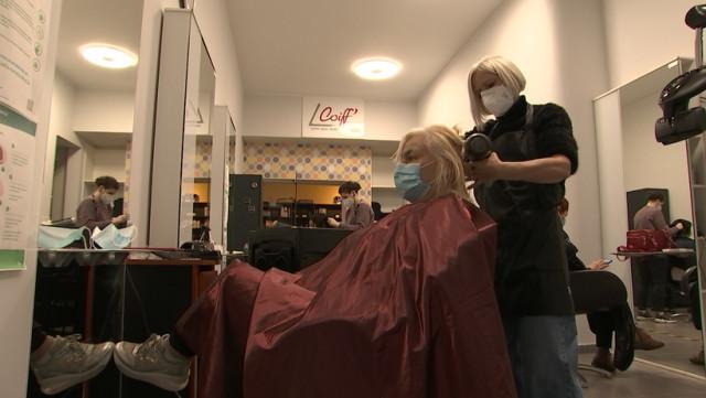 Reprise en force pour les salons de coiffure