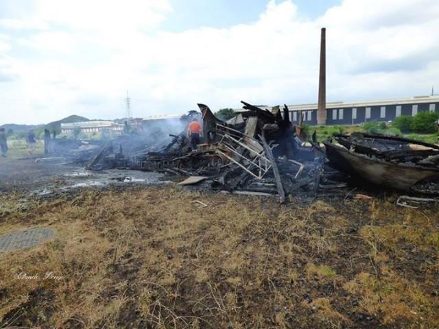 Seraing : le bateau vivre détruit par un incendie