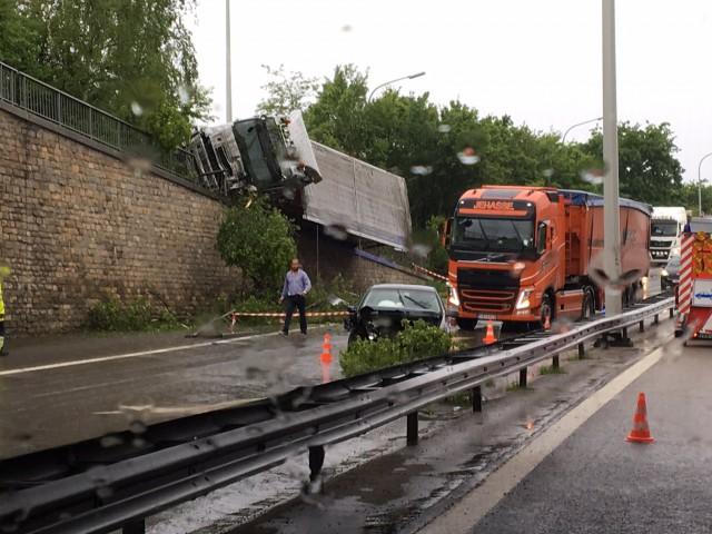 Spectaculaire accident en direction de Maastricht (vidéo)