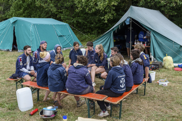 Stages et camp d'été autorisés, sous conditions