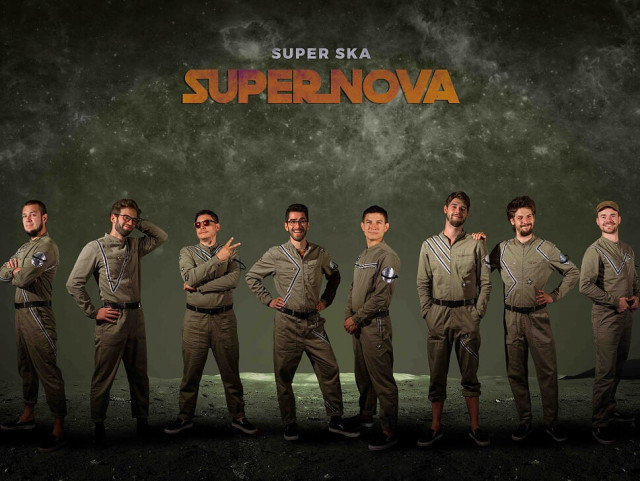 Super Ska lance Supernova