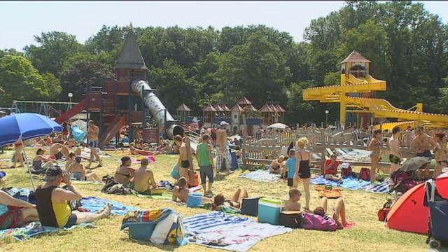 Tourisme : soleil et affluence en juillet