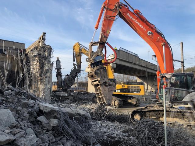 Tram : démolition d'une partie du pont des Modeleurs