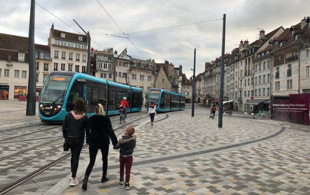 Tram En Commun S2#7 : la vie avec le tram, à Besançon