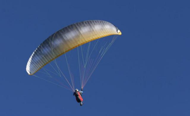 Un parapentiste chute de 30 mètres à Esneux !
