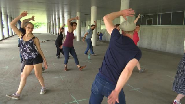 Une école de swing organise ses cours en plein air