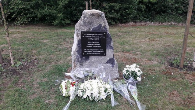 Une stèle pour le premier anniversaire de l'accident de train à St Georges