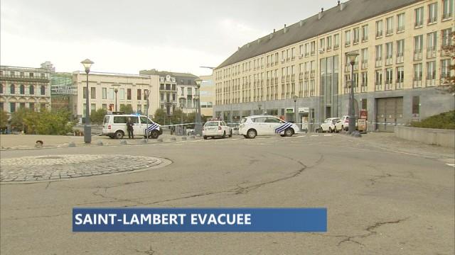 Véhicule suspect à Liège : la place St Lambert évacuée (vidéo)