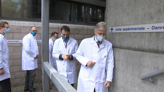 Visite du roi Philippe aux laboratoires covid-19 de l'ULiège.